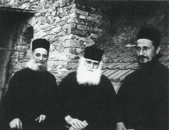 Cu părintele Emilianos Simonopetritul şi viitorul episcop Athanasie Jeftic
