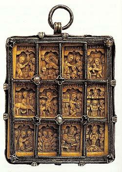 Engolpionul Sfantului Nifon (sec XVI, Man. Dionisiu, fildes in montura de argint, daruit probabil de familia boierilor Craiovesti ex-Patriarhului Nifon II)