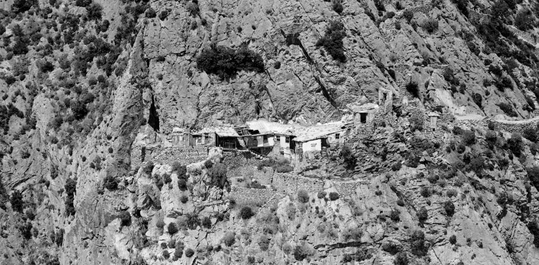 sihastria sfintilor arhangheli, Karoulia