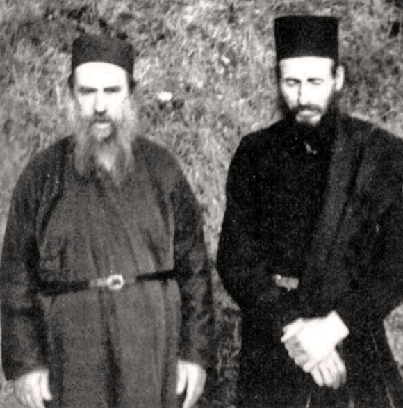 Gerontas-Ioakeim-Monaxos-Theodoros-Vatopaidinou-Kelliou-Analipseos-Karyes-Ag-Oros in