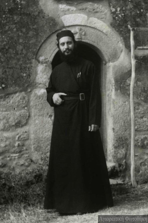 Arhimandritul Emilianós, stareţul mănăstirii Marea Meteoră (1961-1973) - Foto: Alexios Orfanos, 1969