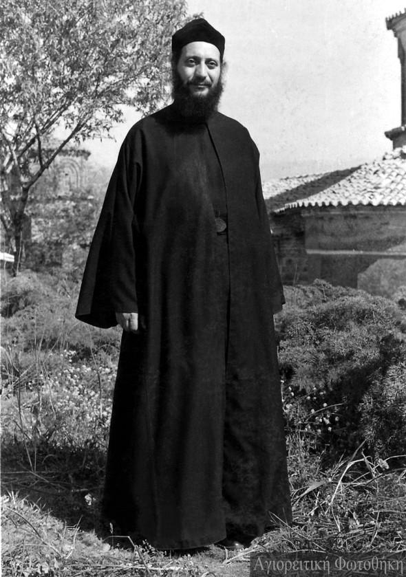 Arhimandritul Emilianós, stareţul mănăstirii Marea Meteoră (1961-1973) - Foto: Alexios Orfanos, 1973