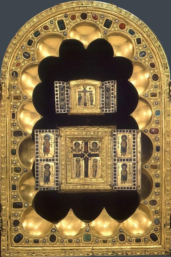 Tripticul de la Stavelot, o capodoperă a argintăriei și artei latine.
