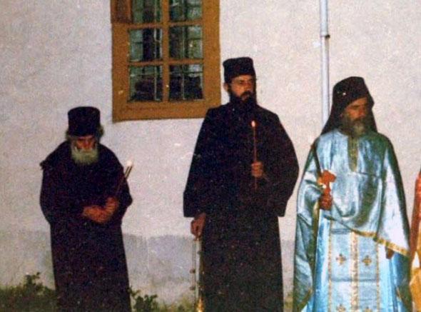 Părintele Paisie Aghioritul - Slujbă de Înviere la Chilia Părintelui Isaac