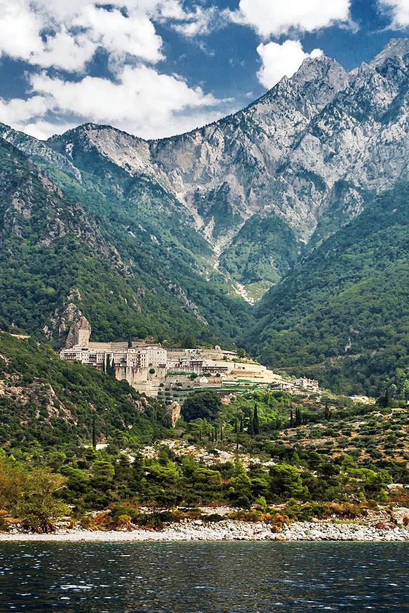 Mănăstirea Sfântul Pavel, a doua ctitorie a Sfântului Pavel Xiropotamitul - foto pr. Contantin Prodan